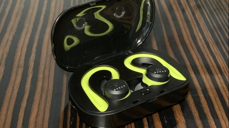 The Boult Audio Tru5ive offers everything a fitness fanatic and music lover requires.