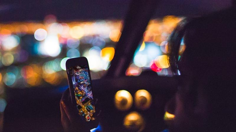OpenSignal data shows that at 4 am smartphone users in the 20 cities analyzed experience average download speeds of 16.8 Mbps, compared with the daily average of 6.5 Mbps.