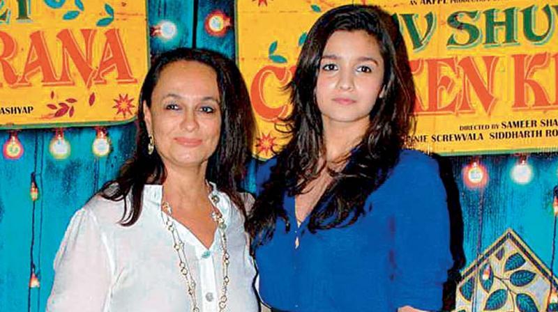 Alia bhatt mother images