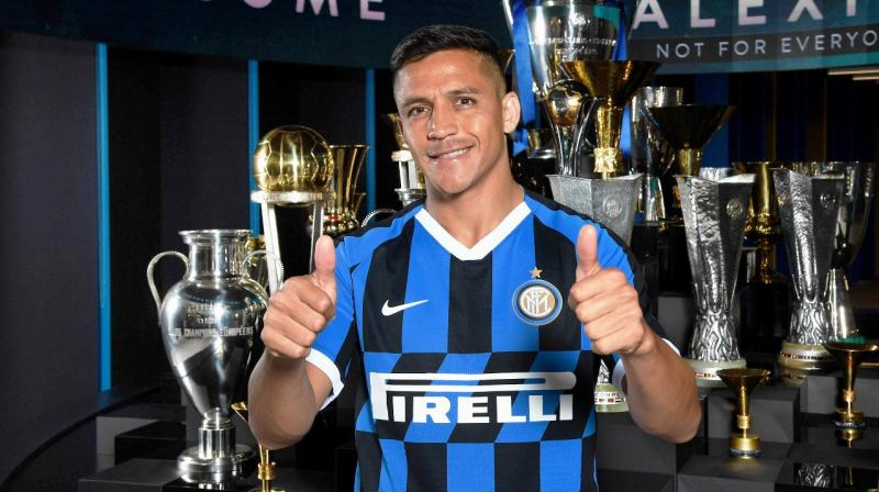 The Chilean, who previously spent three seasons in Serie A with Udinese before moving to Barcelona, is his country's all-time leading scorer with 43 goals. (Photo: Inter/Twitter)