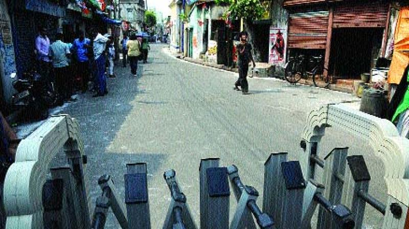 A deserted Harish Chatterjee Street that leads to the residence of chief minister Mamata Banerjee on Thursday. (Photo: Abhijit Mukherjee)