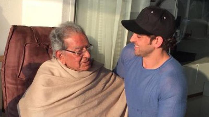 Hrithik Roshan with grandfather J Om Prakash. (Photo: Twitter)