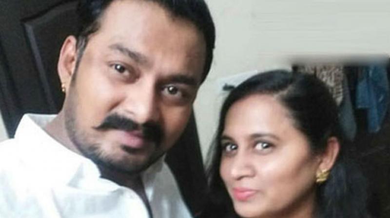 Madhu Prakash with his wife Bharati. (Photo: Twitter)