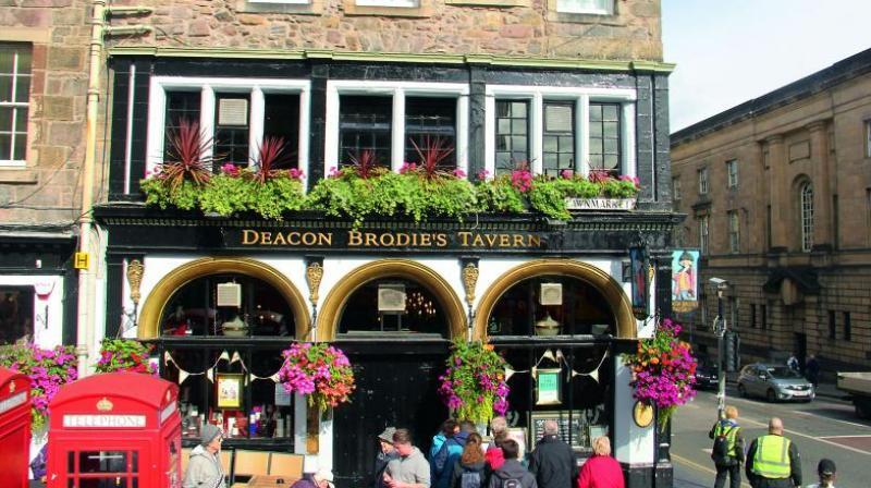 Deacon Brodie's Tavern on Edinburgh's Royal Mile