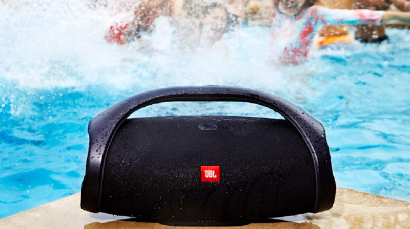 It can also connect to more than 100 JBL Connect+ enabled speakers within Bluetooth range, thus making it a party focussed wireless speaker.