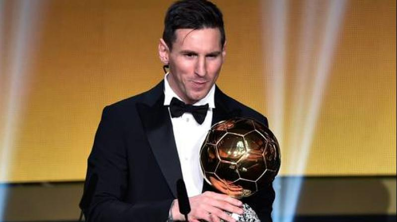 The five-time Ballond'Or winner, Messi is close to 1/2 to clinch his sixth award compared to Ronaldo, who is predicted to receive 20/1 and 17/1 votes as given by most betting portals, reported the Fox Sports Asia. (Photo:AFP)