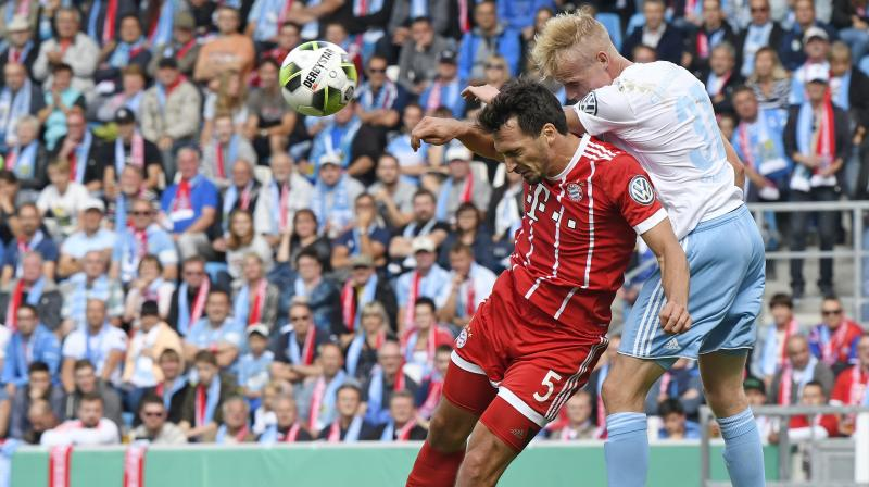 Mat Hummels insisted Bayern to stay cool if they are to stay on course for a domestic double this season. (Photo: AP)