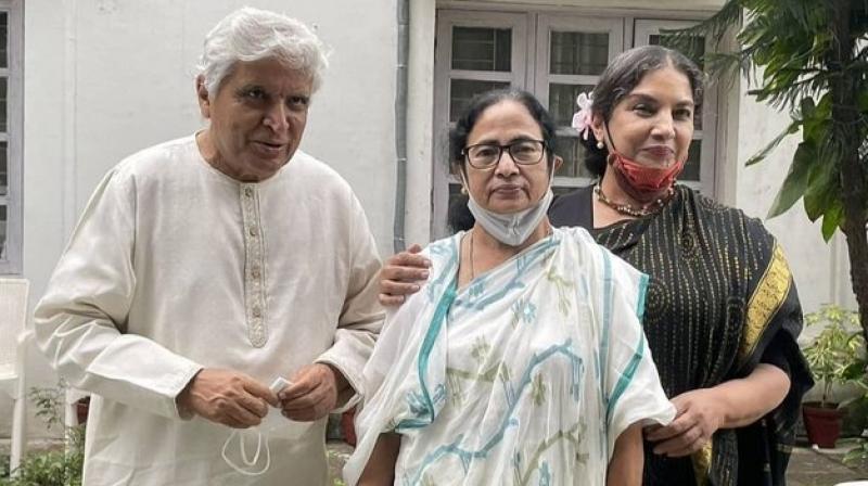 Javed Akhtar and actor Shabana Azmi met West Bengal Chief Minister Mamata Banerjee in Delhi on Thursday. (Image: Twitter/@safilAitc)