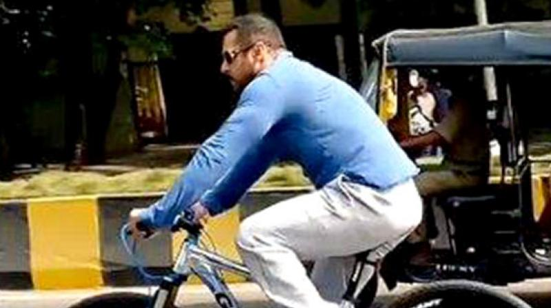 45fe82e68f0 Salman Khan seems unfazed by the attention he receives when he takes his  bicycle for a