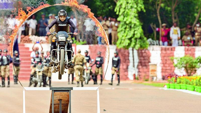 CISF lady commando giving a demo at passing out parade in Chennai