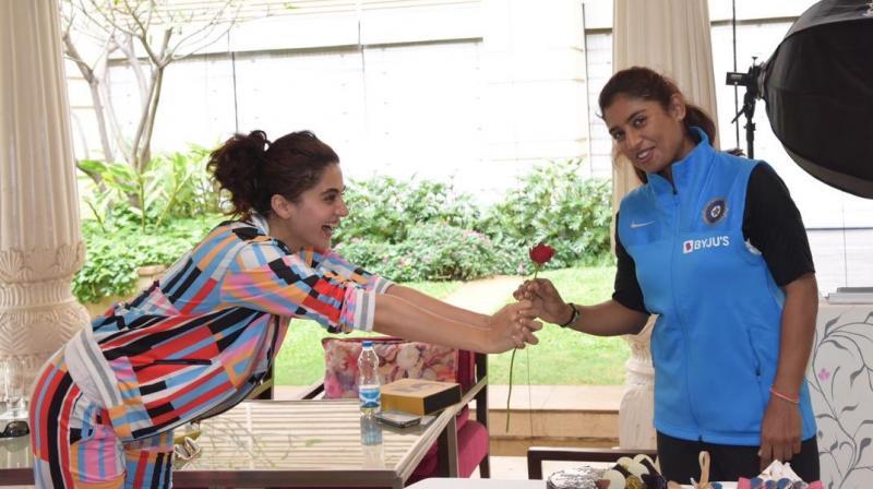 Taapsee Pannu with Mithali Raj. (Photo: Twitter)