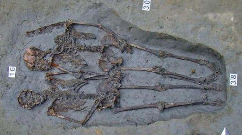 The scientists said it was impossible to determine the sexual orientation of the two skeletons. They could have been friends, brothers, or war comrades. (Photo: Twitter)
