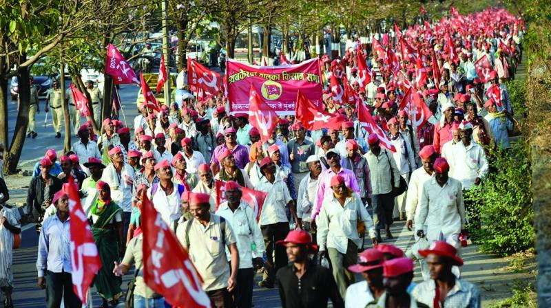 To avoid chaos, protesting farmers were told by their leaders that if they follow discipline and march there is no power that will dare to ignore their issues.