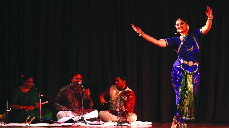 The Delhi audience recently felt the same at an evening celebrating love and solidarity at the Double Bill Dance Concert organised by the India International Centre, where Bharatanatyam dancer, Sharanya Chandran celebrated love with enchanting dance performances.
