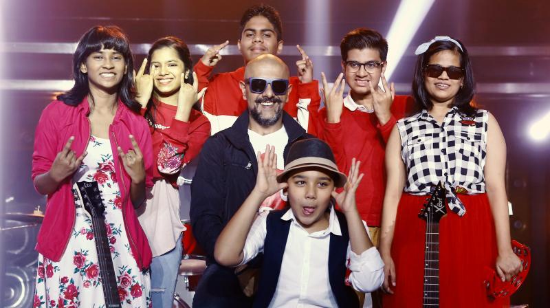 Music video features the music skills of the 6-Pack Band, Ananya Halarnkar, Anjali Ramesh, Maitreya Matale, Paarth Padhye, Prerna Agarwal, Rishaan Patil.