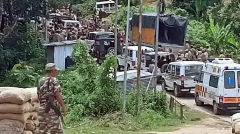Fully armed assam police entering Mizoram. (Twitter)