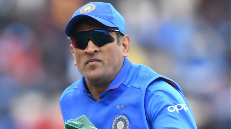 In the midst of the match Dhoni was spotted wearing the army gloves, during that time only his pictures went viral and the MS Dhoni fans erupted and applauded the former captain on Twitter for paying tribute to the Indian para-military Special forces. (Photo:APF)