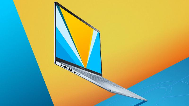 Available in a Silver Blue colourway, this laptop exudes professionalism that can also fit in in a casual environment like say, for example a coffee shop.