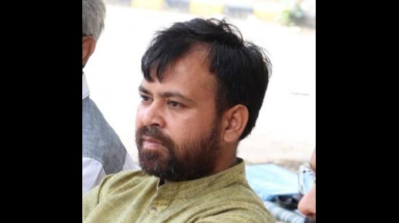 According to the charge sheet, the AAP MLA and other party workers allegedly instigated a mob of about 300 people against the Delhi Police claiming it had not taken serious action to catch the culprits in a murder case. (Photo: Twitter | Akhilesh Pati Tripathi)