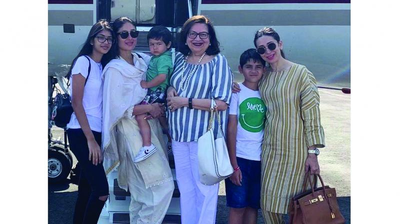 Babita turned 72 and the daughters Karisma Kapoor and Kareena Kapoor Khan decided to take their mom out for a grand celebration.