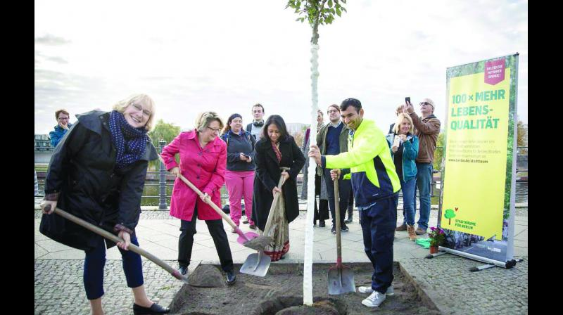 Tree planting with Svenja Schulze, the federal environment minister of Germany, and Indian ambassador to Germany.