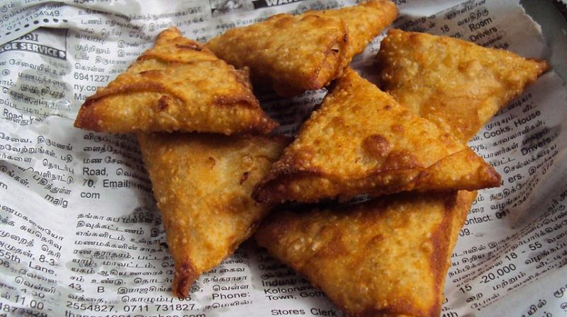Among the various entries in the competition were samosas that featured almonds and cashews drizzled with chocolate; chocolate covered in edible glitter; Margherita pizza filling and chicken jalapeno. (Photo: Pixabay)