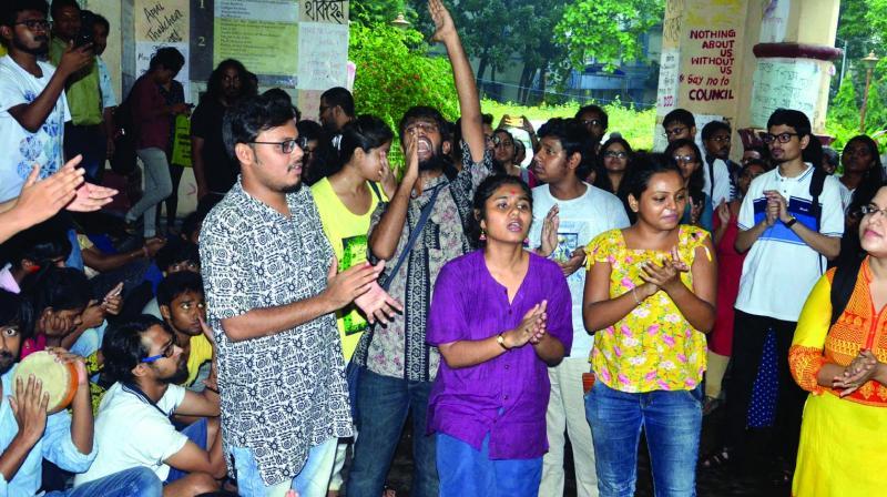 Students of Jadavpur University protest at Arabinda Bhavan, against the admission procedure on Thursday. (Photo:  Abhijit Mukherjee)