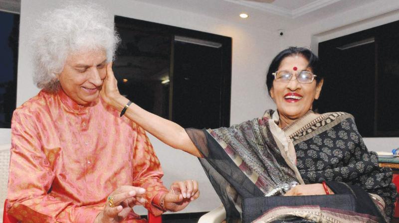 Kishori Amonkar (right) and santoor maestro Shivkumar Sharma in Mumbai.