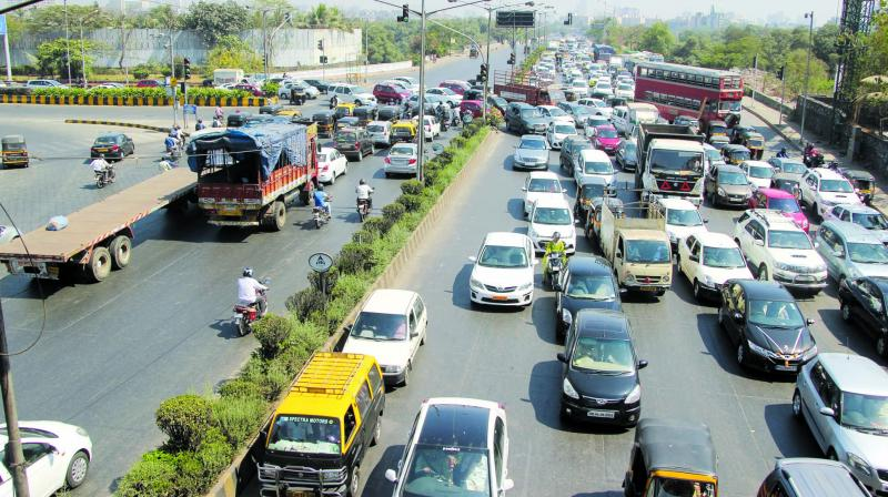 The MMRDA now redrawing the design to tweak the alignment of the flyover and Metro to avoid further engineering challenges.
