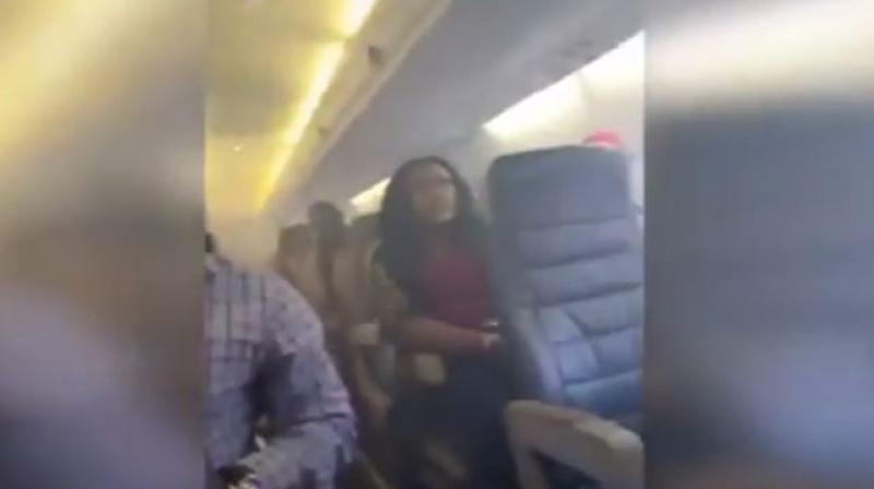 Thick smoke filled the plane's cabin for at least 20 minutes (Photo: Screengrab)