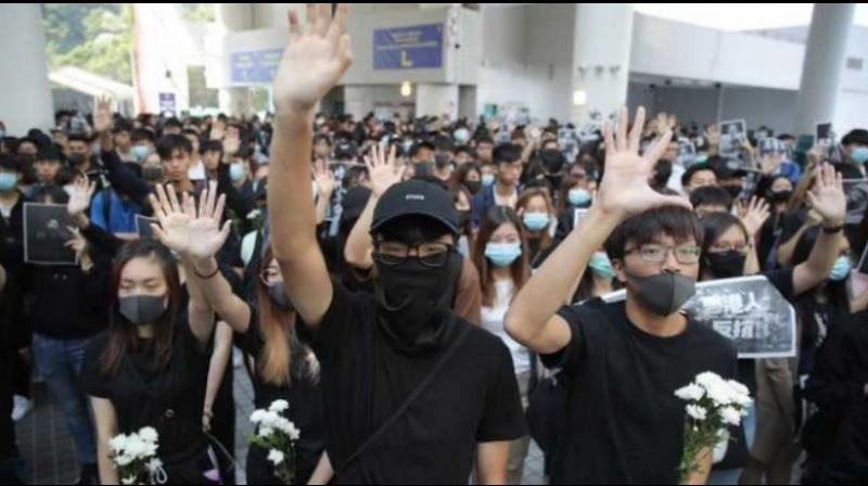 China on Saturday deployed its troops in Hong Kong for the first time since the unprecedented pro-democracy protests began in the former British colony more than five months ago over a proposed extradition law, with soldiers in plain clothes clearing the roadblocks. (Photo: AP)