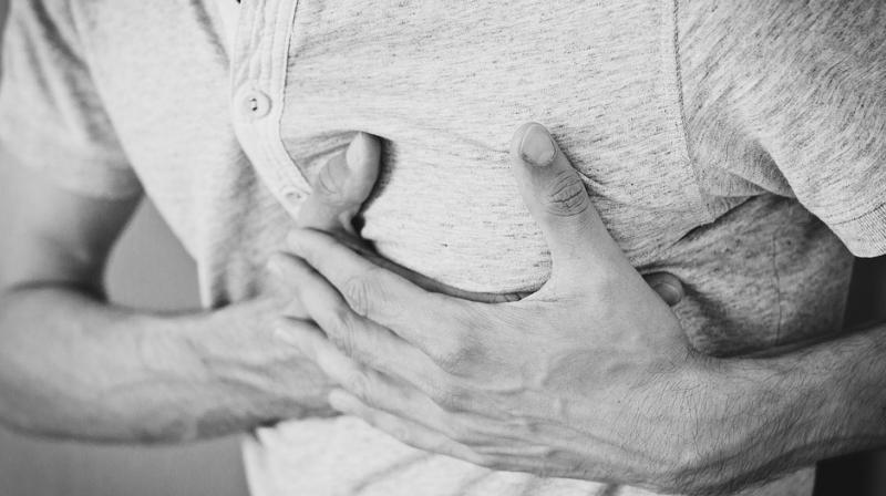 Broken heart syndrome, whose official nomenclature in Takotsubo syndrome, includes shortness of breath and chest pain. (Photo: Pixabay)