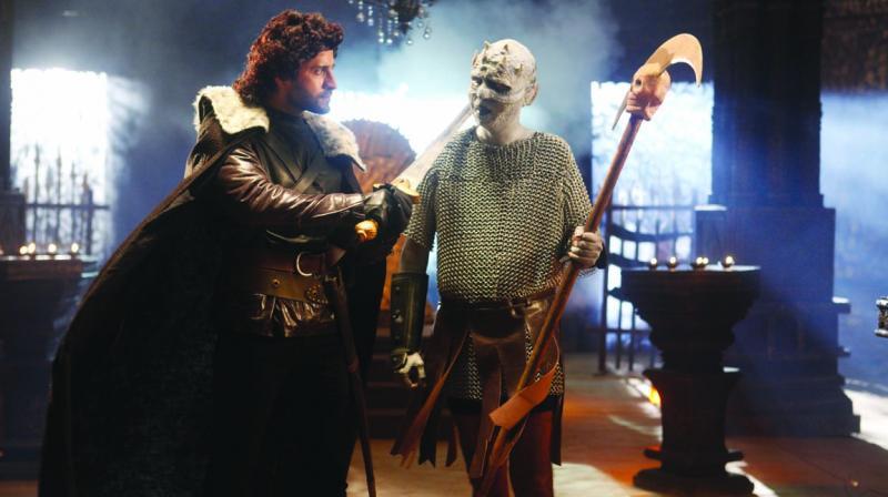 Pracheen Chauhan as Jon Snow, Gopal Singh as White Walker.