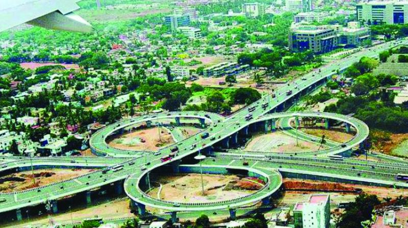 The state government has asked various bodies to extend a helping hand of Rs 1,000 crore on interest to Maharashtra State Road Development Corporation (MSRDC).