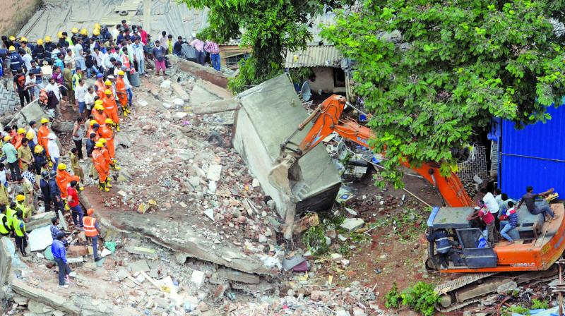 Rescue personnel carry out operations at the site of the building collapse in Ghatkopar; (right) Authorities inspect for survivors trapped in the debris. (Photo: Rajesh Jadhav)