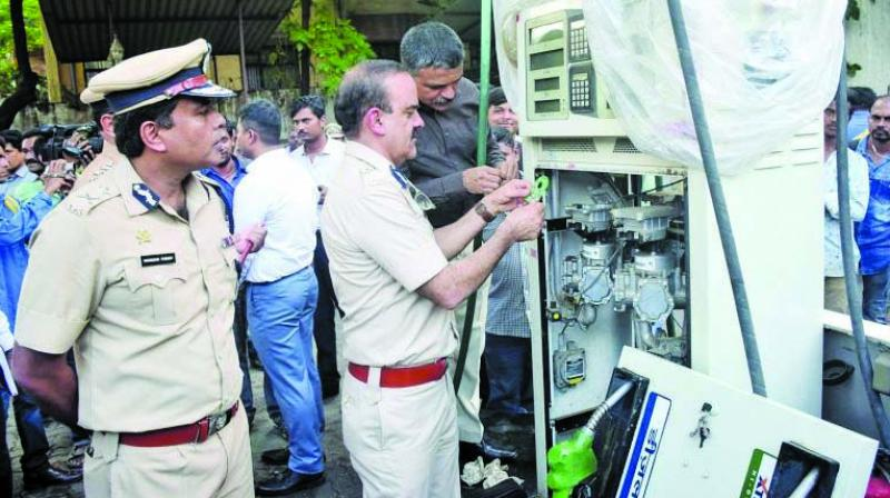 The Thane police has sealed 190 fuel stations and arrested around 30 persons.