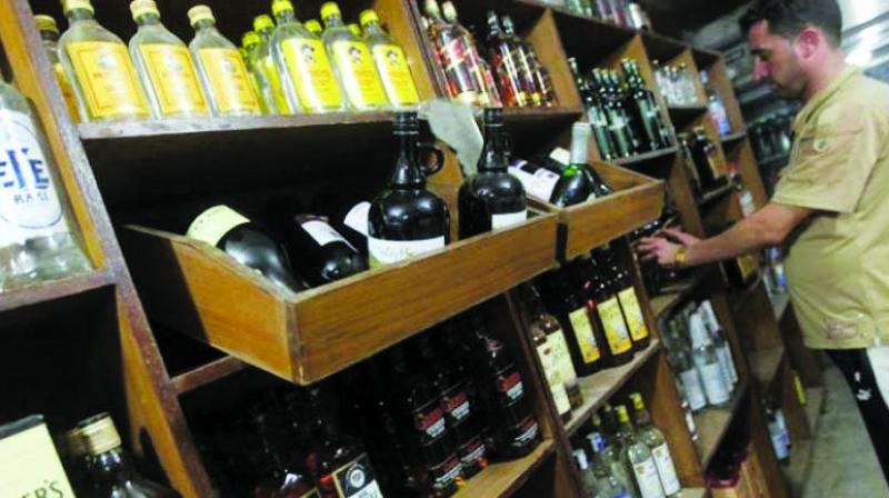 CAIT has said linkage of digital payments with sale of liquor could also curb black money to a great extent.
