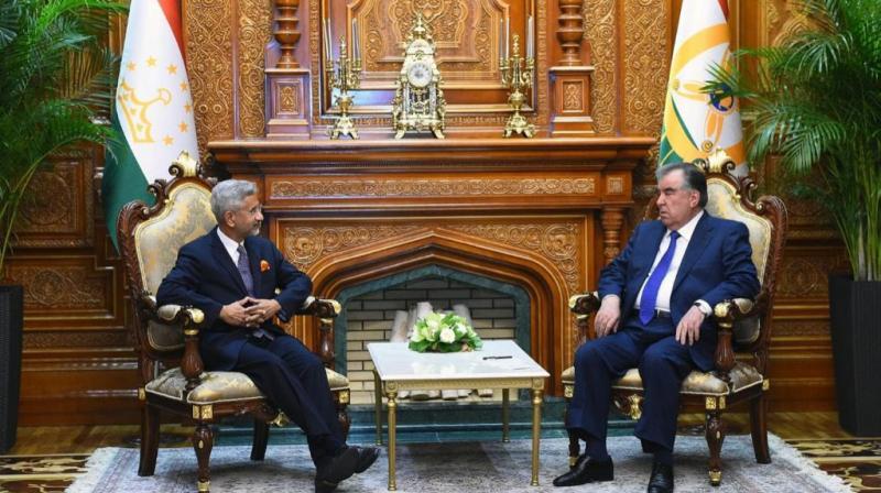 External affairs minister S. Jaishankar reached Dushanbe on Thursday and was received by Tajik President Emomali Rahmon. (Photo: Twitter/@DrSJaishankar)