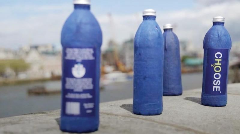 The Choose Water Bottle is a completely plastic free, decomposable bottle that aims to replace plastic water bottles.