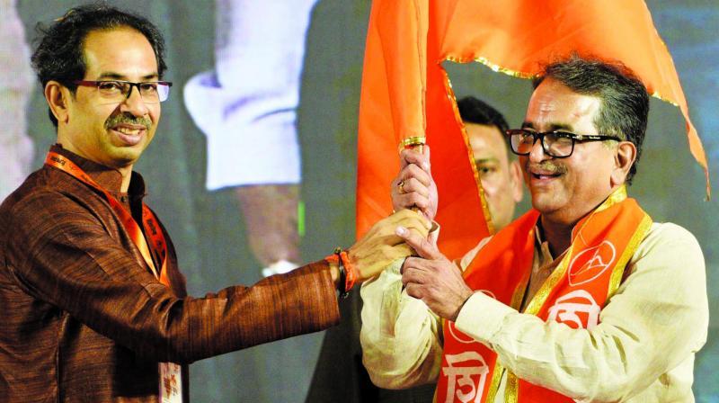 Shishir Shinde joined Shiv Sena on Tuesday