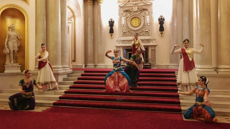 A special dance performance choreographed by Arunima Kumar for Akademi on the steps of Buckingham Palace in London to mark the launch of UK India Year of Culture in London. (Photo: AP)