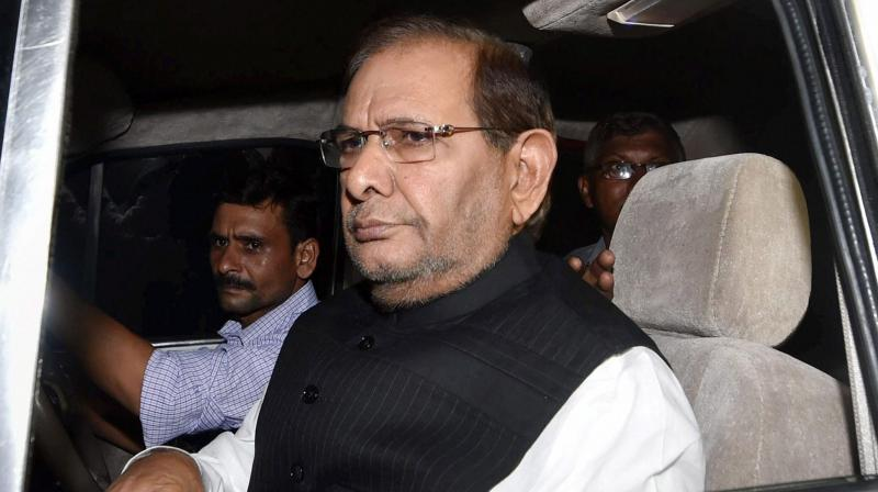 Meanwhile, refuting his close aide Vijay Verma's statement, Sharad Yadav said that he wasn't thinking of forming a new party. (Photo: AP/File)
