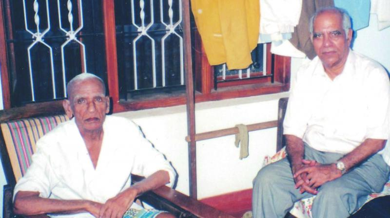 Freedom-fighter K.P.R. Gopalan with his nephew KPP Nambiar,  founder chairman and managing director of Keltron.