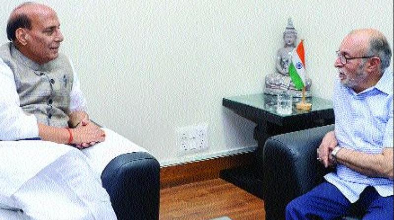 Delhi L-G Anil Baijal meets Union home minister Rajnath Singh in New Delhi on Thursday. (Photo: PTI)