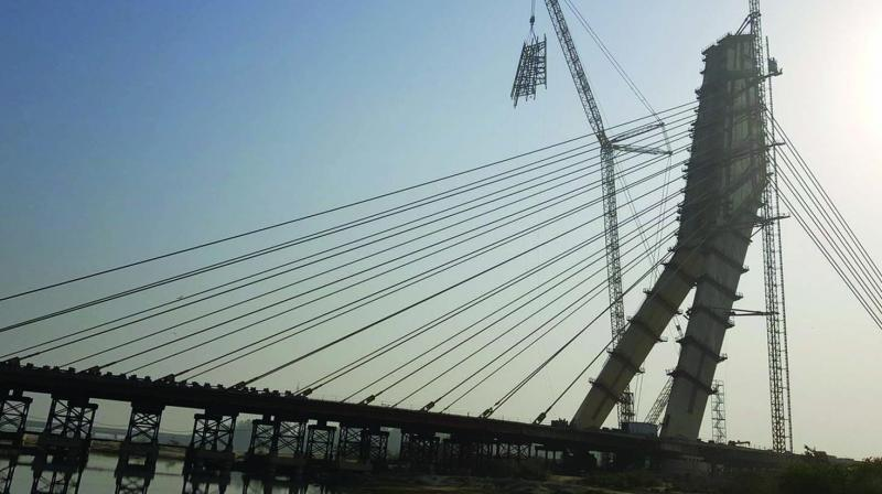Work in progress on the Signature bridge