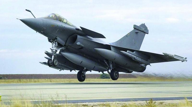 The Centre had also filed an affidavit seeking dismissal of the review petition after some internal documents of the Defence Ministry related to the Rafale fighter deal came out in a section of the media. (Photo: File)