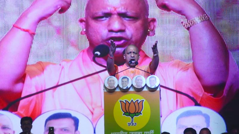 UP CM addressed a grand public gathering and appealed people to vote BJP candidate Rajendra Gavit at Palghar constituency bypoll. (Photo: Shripad Naik)