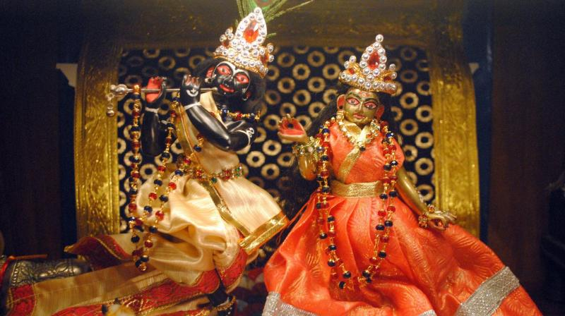 While many temples organise pujas, communities organize dance-drama events called Rasa Lila or Krishna Lila as well. (Photo: Soumyabrata Gupta)