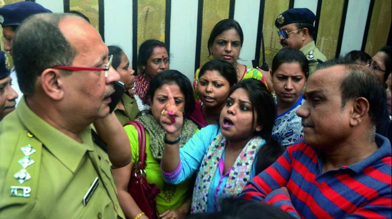 Situation intensified in Kolkata as the police lathicharged on a gathering of protesting parents, demanding the arrest of the accused. (Photo: Abhijit Mukherjee)