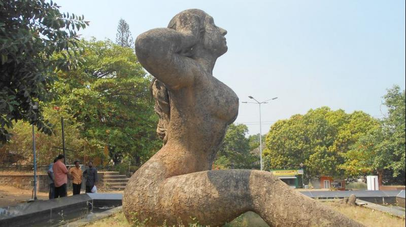 Situation familiar Naked women garden statues think